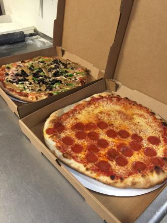 Pocasset, MA: pizza