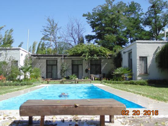 Casafuerte Posada Rural: Piscina, ideal para nadar y relajarse