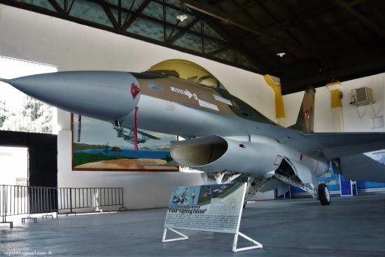 Maracay, Venezuela: Exhibición de un Lockheed Martin F-16 Fighting Falcon