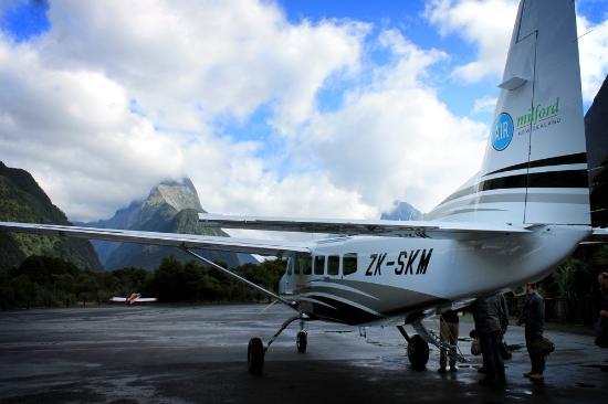 Квинстаун, Новая Зеландия: The plane at Milford Sound