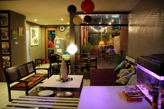 Le Nomade Hostel: Common Area