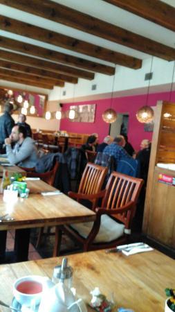 Strakonice, Tsjekkia: Klidná restaurace, příjemné prostředí a celkem i dobře jídlo.