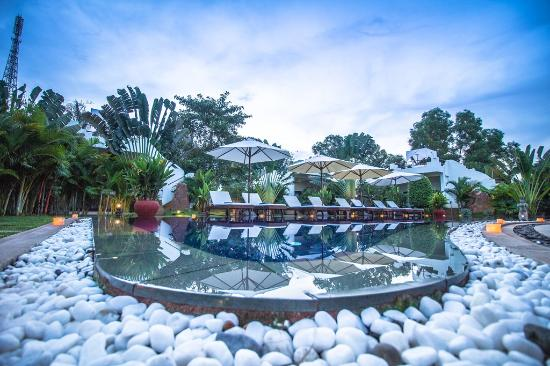 Navutu Dreams Resort & Wellness Retreat: Swimming Pool