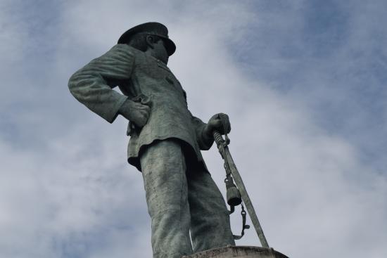 Jalesveva Jayamahe Monument: Luar biasakan khan....ayuuuuk kita ke Monumen Jaleveva Jayamahe