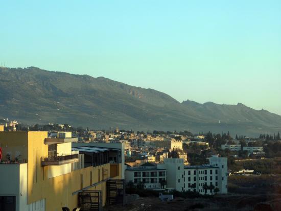 Menzeh Fes: morgentlicher Blick in Richtung Altstadt