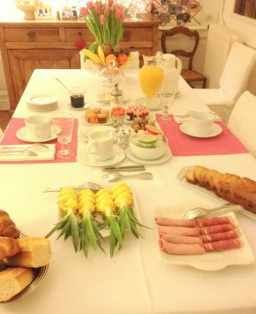 Clos de Bellefontaine - Breakfast