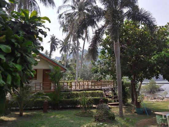 Green Cottage Beach Resort