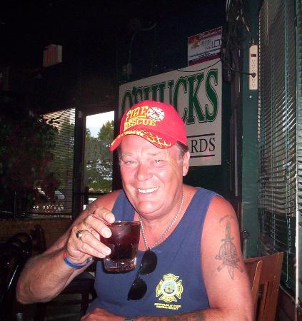 O'Shucks Pub & Karaoke Bar: great watering hole...