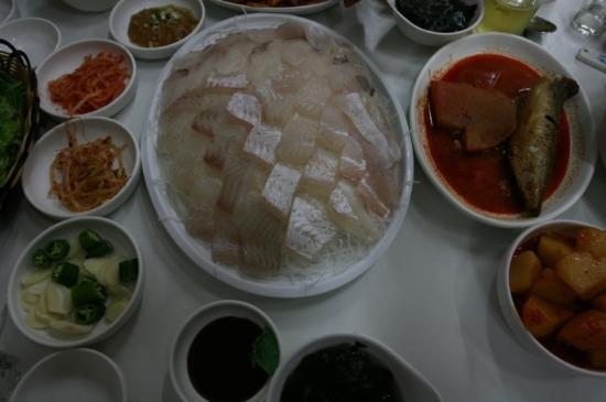 Maknae Sashimi Restaurant