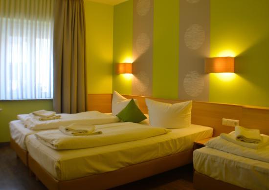 3- bett- zimmer - bild von poppular city hotel, würzburg - tripadvisor, Hause deko