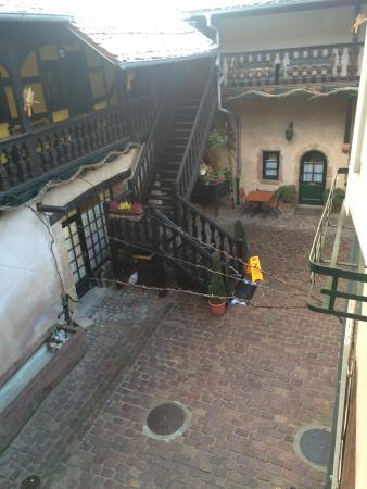 La Cour du Bailli Residence Hoteliere : La jolie cour Alsacienne