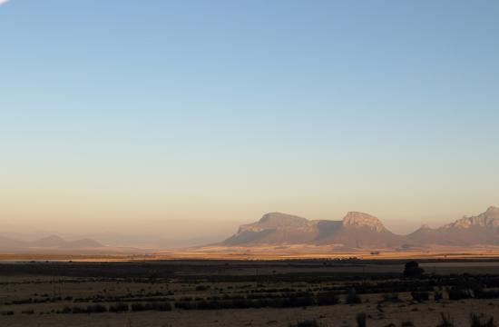 Piketberg, Sudáfrica: Mountain Views to the right of the cottages
