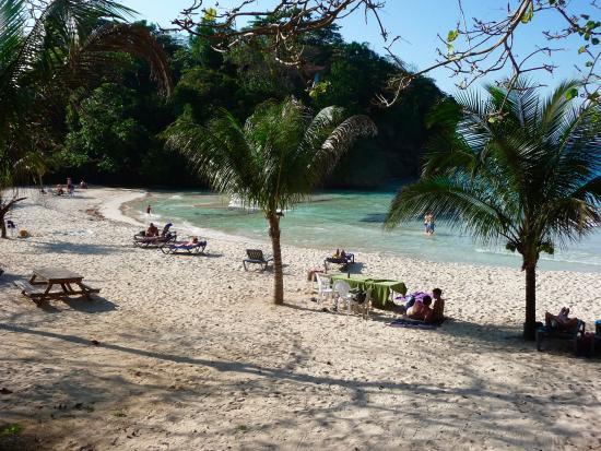 Drapers San: Frenchman's Cove (an easy walk from Draper's San)
