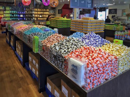 Lindt-sprungli chocolate outlet