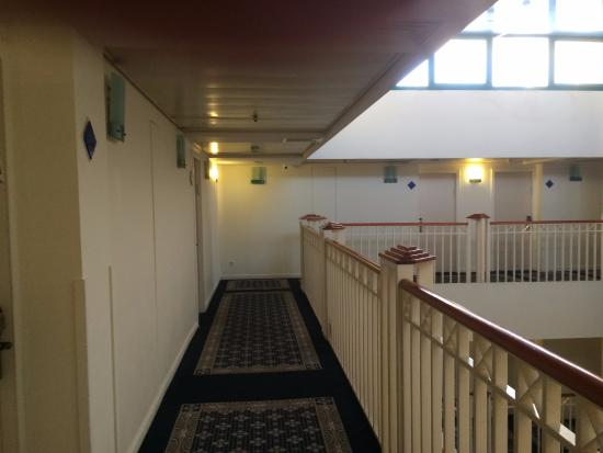 Vista Hotel: корридор отеля