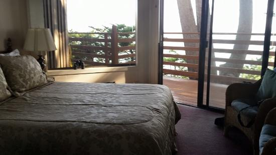 Whale Watch Inn by the Sea: Lovely room with fantastic view!