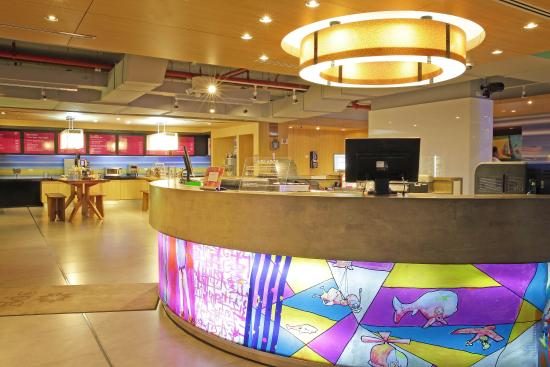 Aloft Panama: Recepción Aloha, Lobby