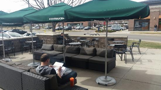 outside seating picture of starbucks denver tripadvisor rh tripadvisor com