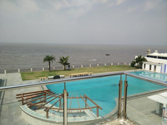 Sea Rock Beach Resort Daman