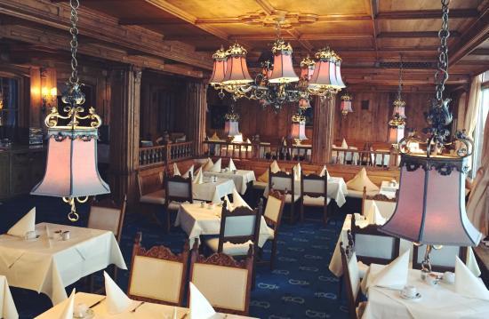 Bachmair Hotel am See: Enjoying the breakfast