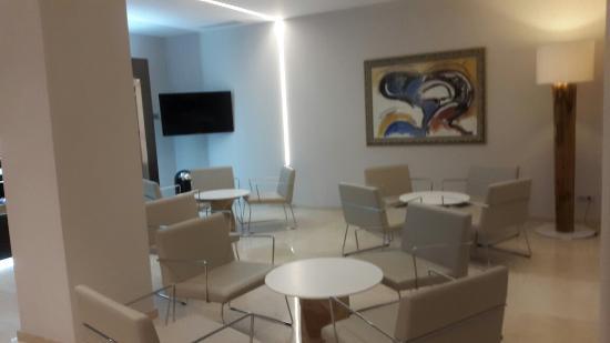 NH Castellon Turcosa : Vistas interiores y exteriores