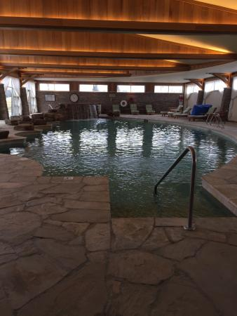 Lodge pool picture of the lodge at turning stone verona - Hotels in verona with swimming pool ...