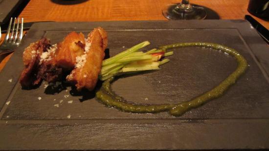 Mantles Restaurant & Lounge: Crispy Pork Belly appetizer