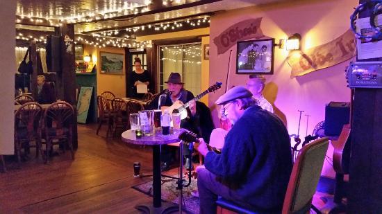 West Dennis, MA: Fantastic Irish Pub!