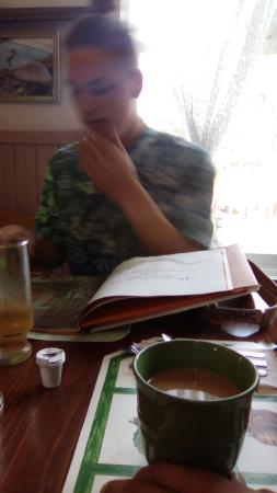 Port Royal, Южная Каролина: We are took our new Marine and family here. Our other son was reading on of the kids books they