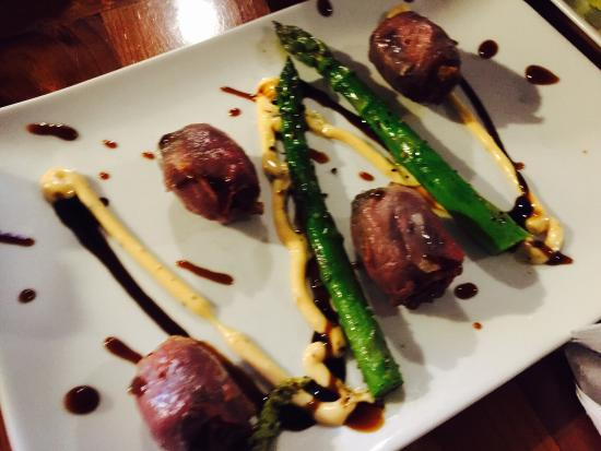 Algoma, WI: Get there early...prosciutto wrapped dates, grilled romaine salad, cowboy ribeye