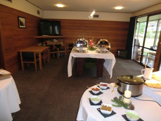 Alpine Lodge: クリスマス・ディナーのビュッフェ・テーブル