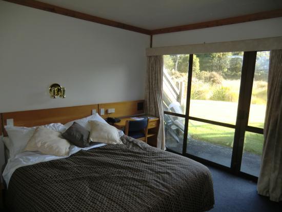 Alpine Lodge: 宿泊室、南東側の外に出ることができる