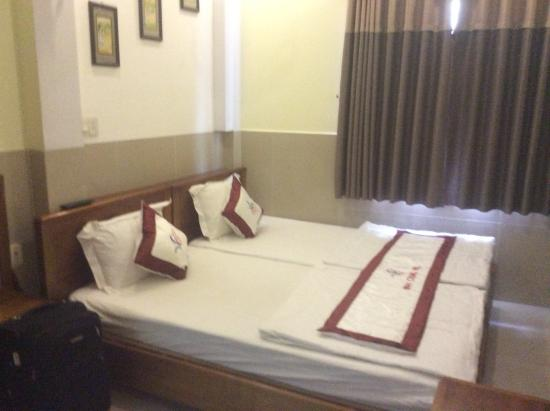 Vinh Chung Hotel: Bed