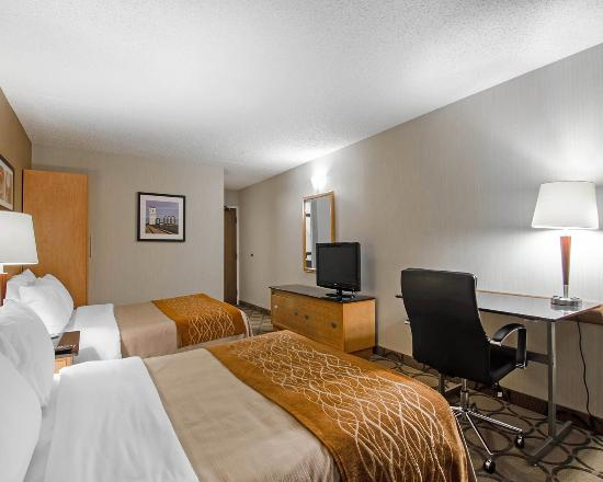 Comfort Inn Prince Albert : Comfortable beds ensure you have a great stay!.
