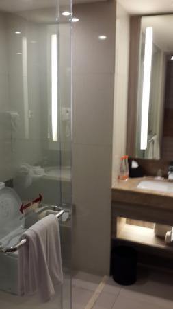 Bathroom Picture Of Hotel Grandhika Iskandarsyah Jakarta Tripadvisor