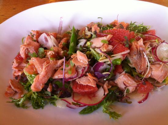 Coopers Hotel: Glazed salmon flakes on baby endive w ruby grapefruit, asparagus spears, spanish onion, bean sho