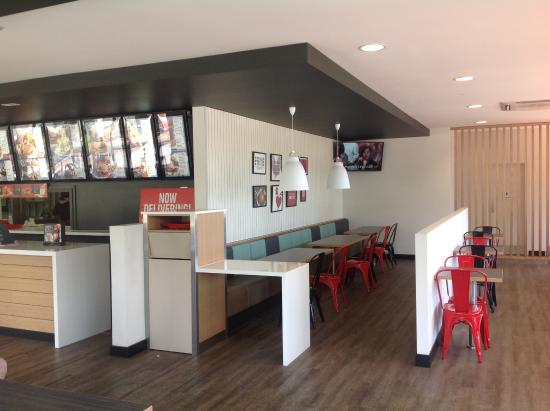 Red Rooster Greensborough dining area