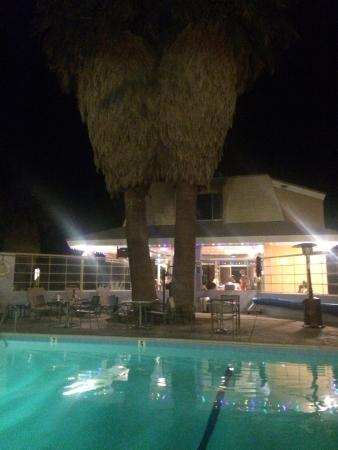29 Palms Inn : View of the pool dining on the patio