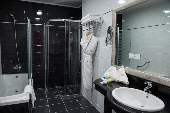 Salle de bain - Picture of Best Western Colombe Hotel Oran, Oran ...