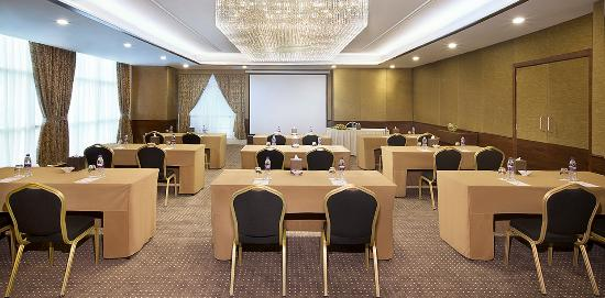 Park Regis Kris Kin Hotel: Events - Classroom Set Up