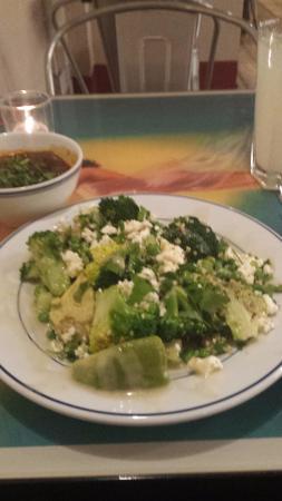 Leon - Ludgate Circus : Superfood salad and black bean mezze