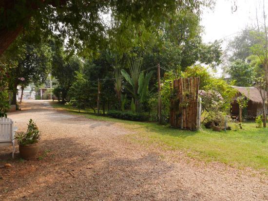 Sai Yok Noi Blue Mountain Resort