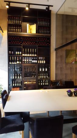 Saar israeli wine boutique