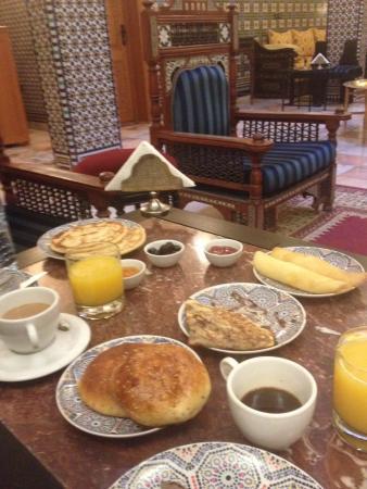 Dar Al Madina Al Kadima : colazione