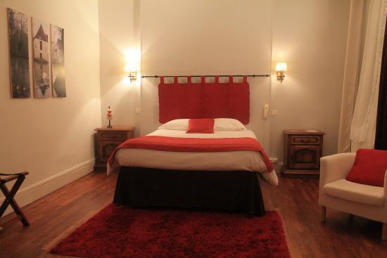 Donzy, Francia: chambre double confort soleil levant