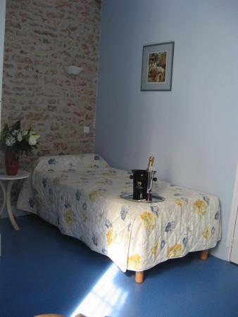 Donzy, Francia: chambre single Saint Caradheuc