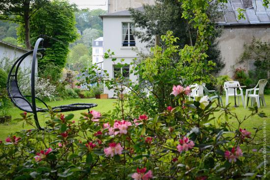 Hotel La Diligence: jardin privé