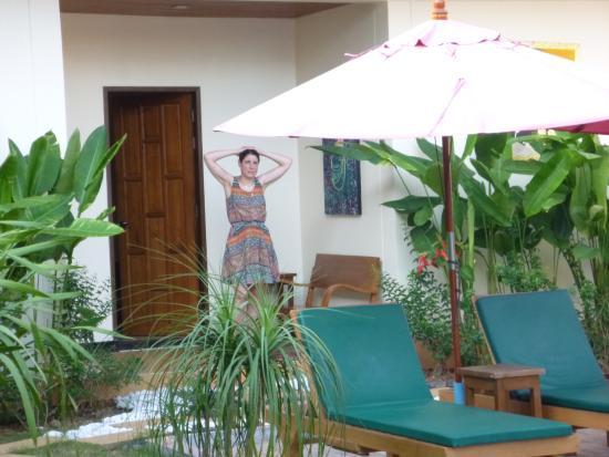 Baan Malinee Bed and Breakfast: petite suite avec accés direct à la piscine