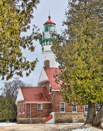 Gulliver, MI: A view of lighthouse and quarters.