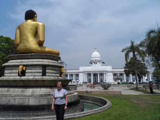 Viharamahadevi Park Colombo Sri Lanka Picture Of Viharamahadevi